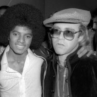 """58370 Элтон Джон назвал Майкла Джексона """"психически больным"""" человеком"""