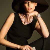 58355 Как вплести колье в косу: топ-модель Ирина Николаева демонстрирует ювелирные тренды осени