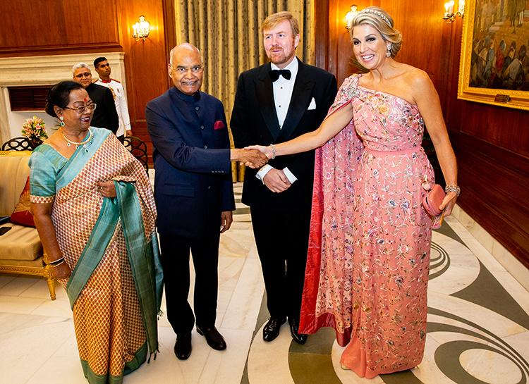 Нежнее нежного: королева Нидерландов Максима на банкете во дворце в Нью-Дели