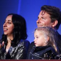 58569 Папина дочка: Брэдли Купер с дочерью Леей на вручении литературной премии в Вашингтоне