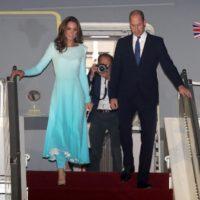 58377 Самый секретный тур: Кейт Миддлтон и принц Уильям прилетели в Пакистан
