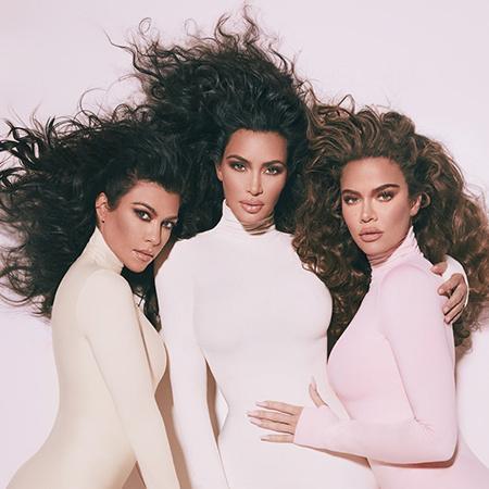 Три как одна: Ким, Кортни и Хлое Кардашьян в рекламной кампании нового парфюма