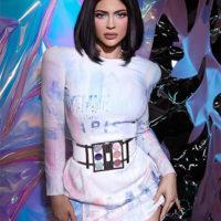 58917 Это фиаско: Кайли Дженнер продала контрольный пакет акций своего бренда Kylie Cosmetics