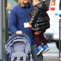 59061 Семейный день: Ирина Шейк и Брэдли Купер с дочерью Леей на прогулке в Нью-Йорке