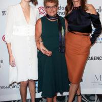 58707 Три поколения: Синди Кроуфорд с дочерью Каей и матерью Дженнифер на благотворительном мероприятии