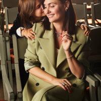 58933 Вечные ценности: Елена Пинская с дочерьми в лукбуке ювелирной коллекции