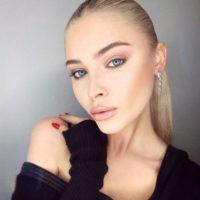 60037 Алена Шишкова снова стала блондинкой