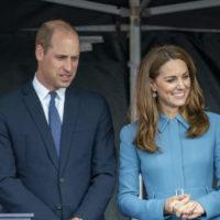 59798 Кейт Миддлтон грубо увернулась от публичных объятий принца Уильяма