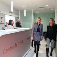 59619 Княгиня Шарлен посетила больницу принцессы Грейс Келли в день рождения своих детей