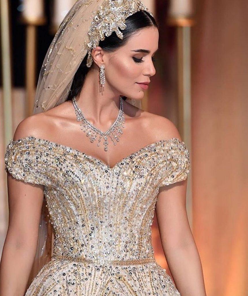 59584 Невеста из Ливана целый год шила себе платье. Получилось потрясающе!
