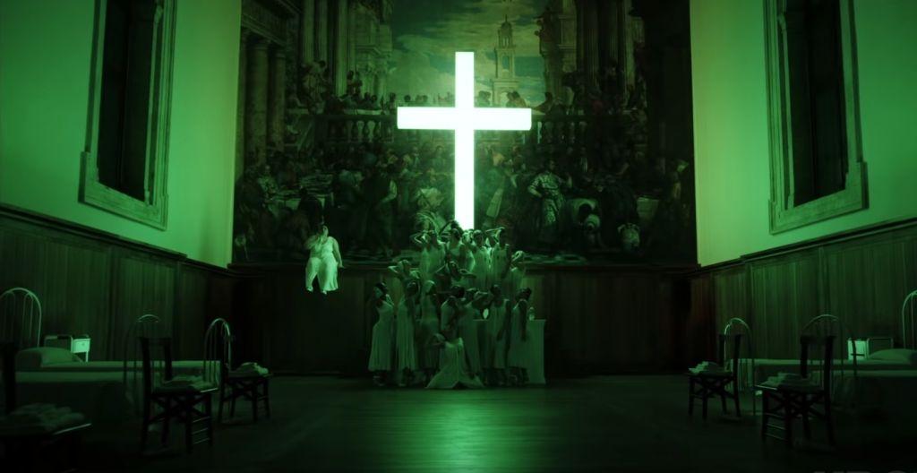 60514 Сериал «Новый Папа» вызвал скандал в Венеции