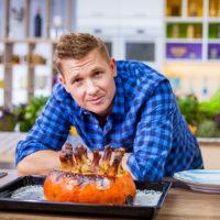 """60919 Шеф-повар АлександрБелькович рассказал о своих незабываемых кулинарных открытиях:""""Маврикийцыедятвсе, дажелетучих лисиц"""""""