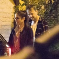 """60484 СМИ: звезда """"Друзей"""" Мэттью Перри встречается с девушкой на 22 года младше себя"""