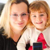 61562 Двухлетняя малышка спасла свою маму