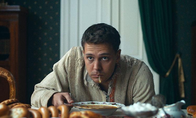 """61018 """"Холоп"""" стал самым популярным отечественным фильмом в истории российского кино"""