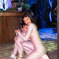 61011 Кайли Дженнер показала фотографии с празднования 2-летия дочери, на которое потратила 100 тысяч долларов