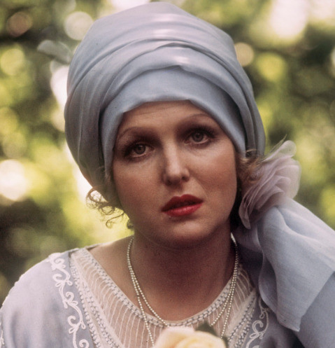 61631 Как выглядит сегодня звезда фильма «Раба любви» Елена Соловей?