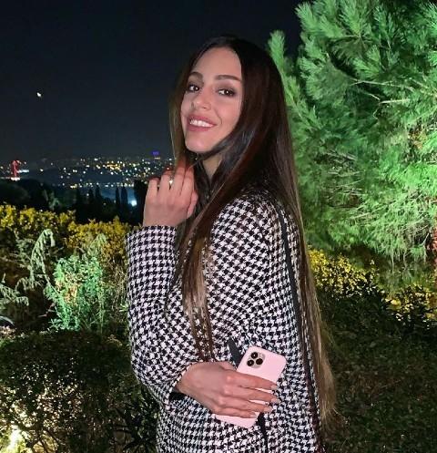 61219 «Мисс Москва-2015» Оксана Воеводина подхватила вирус