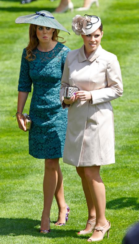 61138 На место Меган Маркл и принца Гарри: Елизавета II готовит новые роли для принцесс Евгении и Беатрис