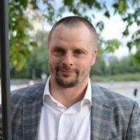 62022 Александр Носик появился на публике с обручальным кольцом