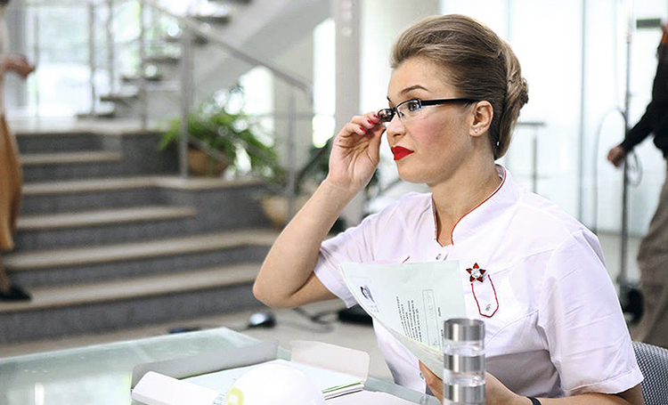 """61821 Кристина Бабушкина о феминизме: """"В чем-то женщина должна оставаться слабой"""""""