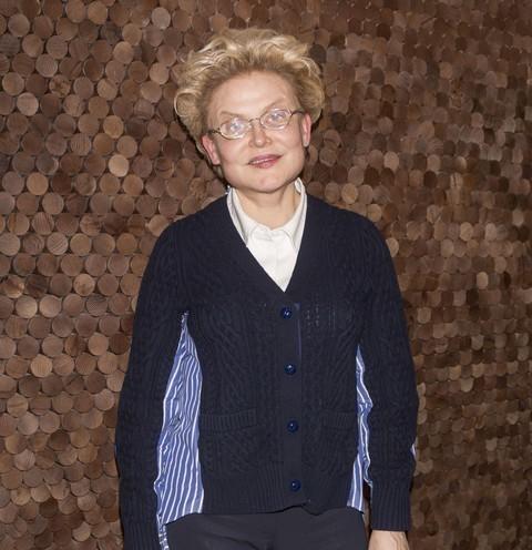 62370 Массажное кресло, два кабинета платьев и копии брендов: как выглядит гримерная Елены Малышевой