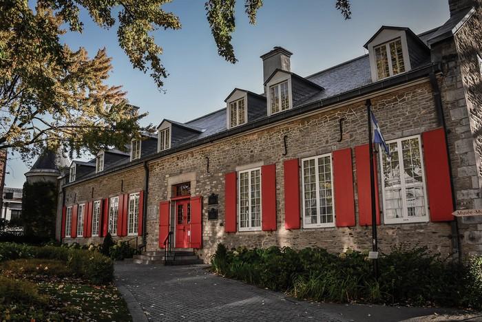 62540 Замок Шато Рамзей в Монреале