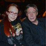 63618 Дочь Михаила Ефремова призналась, что хотела покончить с собой