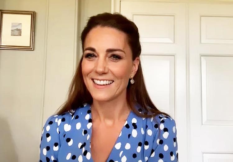 63534 Эффект Кейт Миддлтон: топ-5 нарядов герцогини для видеоконференций, которые раскупают лучше всего