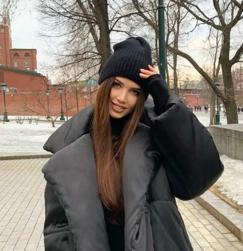63348 «Несуразная худышка»: Анастасия Решетова напугала снимком пятилетней давности