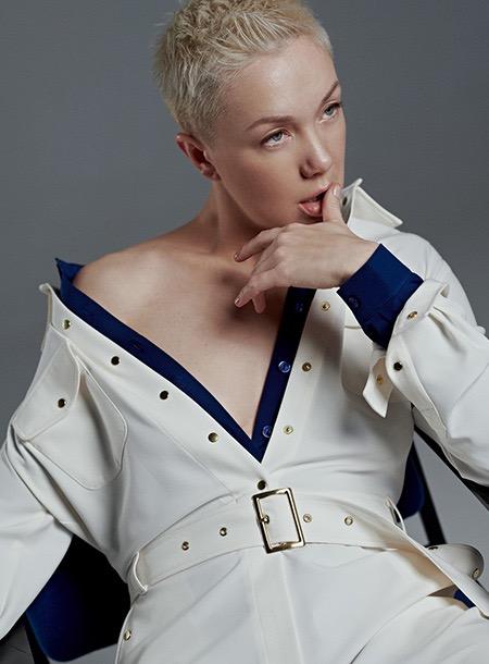 63230 В комнате с Дарьей Мороз, в FaceTime с Катей Боти: лукбуки новых коллекций российских дизайнеров