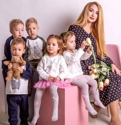 63705 Оксана Кобелецкая о лишении мужа прав на детей: «Его мама не против, лишь бы я не зарилась на их имущество»