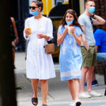 63794 Редкий выход: Кэти Холмс с 14-летней дочкой Сури на прогулке в Нью-Йорке