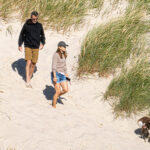 64355 Как обычная семья: кронпринц Дании Фредерик и принцесса Мэри на пляже Скагена