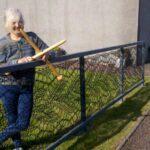 64770 Женщина решила связать себе кружевной забор. Теперь такие есть практически в каждом дворе ее родного города