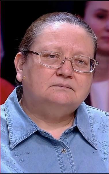 65205 52-летняя женщина попросила «Модный приговор» омолодить ее. Удастся ли им это?