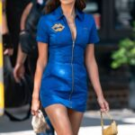 """64944 Как гонщица """"Формулы-1"""": Ирина Шейк прогулялась по Нью-Йорку в новом модном образе"""