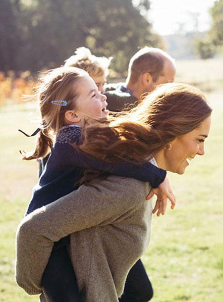 64902 Кейт Миддлтон и принц Уильям с детьми готовятся к переезду