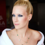 65185 От синих смоки-айс до ягодных губ: фестивальные тренды в макияже и прическах