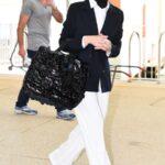 64894 В Италии начал работу Венецианский кинофестиваль: два модных образа Кейт Бланшетт, знаковый жест от Тильды Суинтон и не только