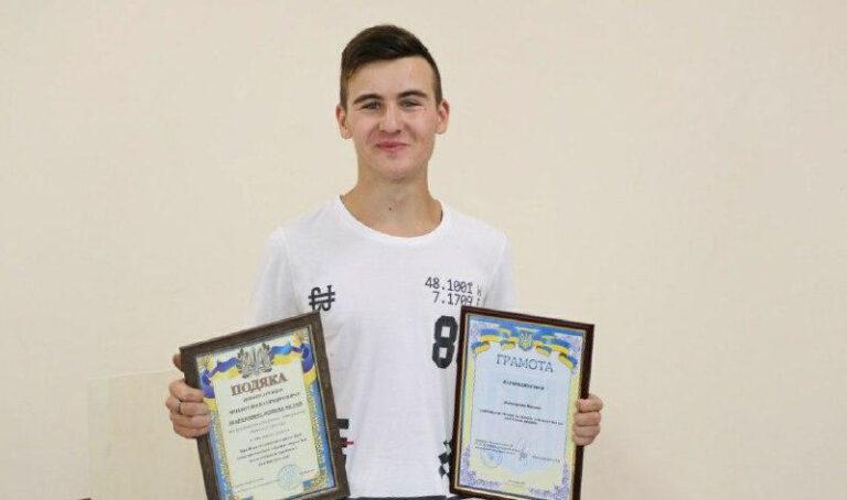 64962 В Одессе 15-летний школьник спас мужчину, который в воде потерял сознание