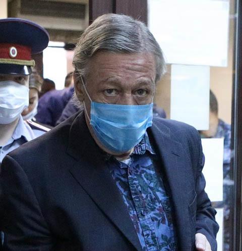 65439 Сын погибшего в аварии с Михаилом Ефремовым не верит в искренность раскаяния актера