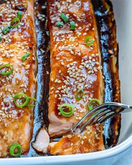 65540 Сытный ужин: запеченный лосось под соусом терияки