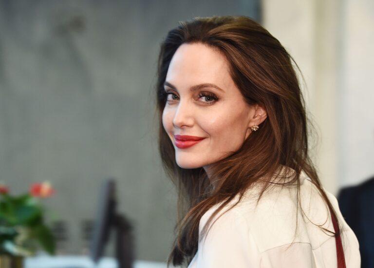 65830 Анджелина Джоли снимет фильм с Томом Харди