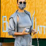 65719 Велюровый костюм и эко-шуба: Ирина Шейк с дочкой Леей на прогулке в Нью-Йорке