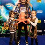 """65910 Полина Гагарина с сыном и Филипп Киркоров с детьми на премьере мультфильма """"Полное погружение"""""""