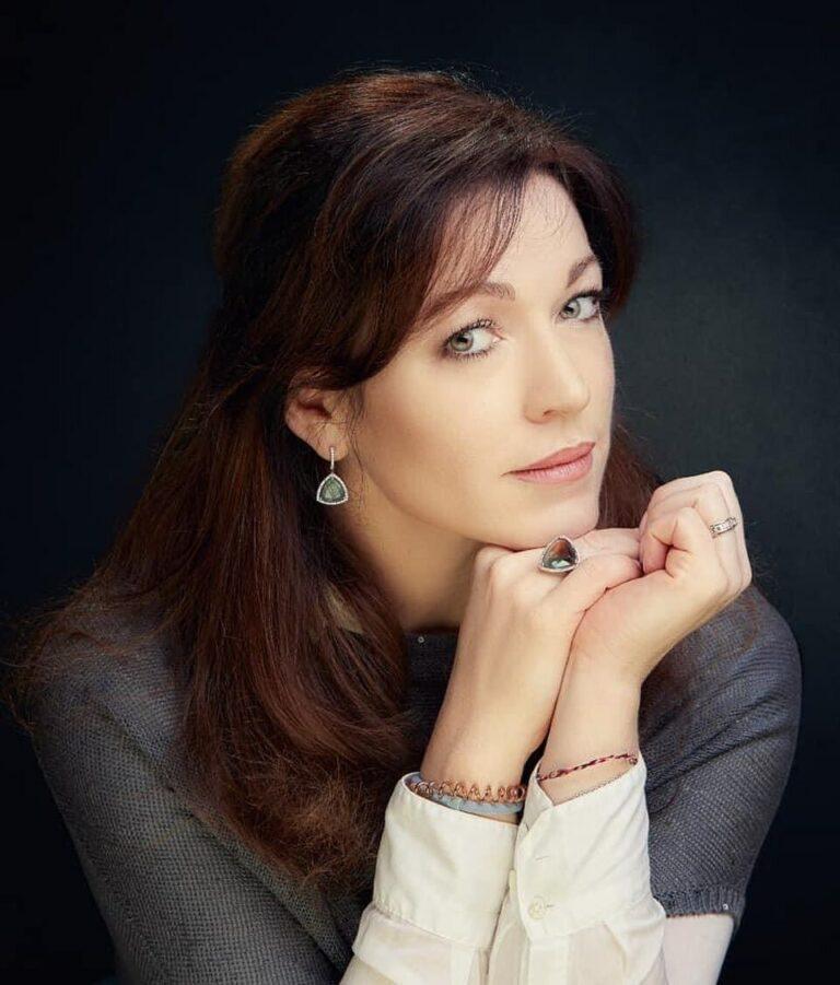 66363 Актриса Алена Хмельницкая поделилась снимками своих взрослых дочерей