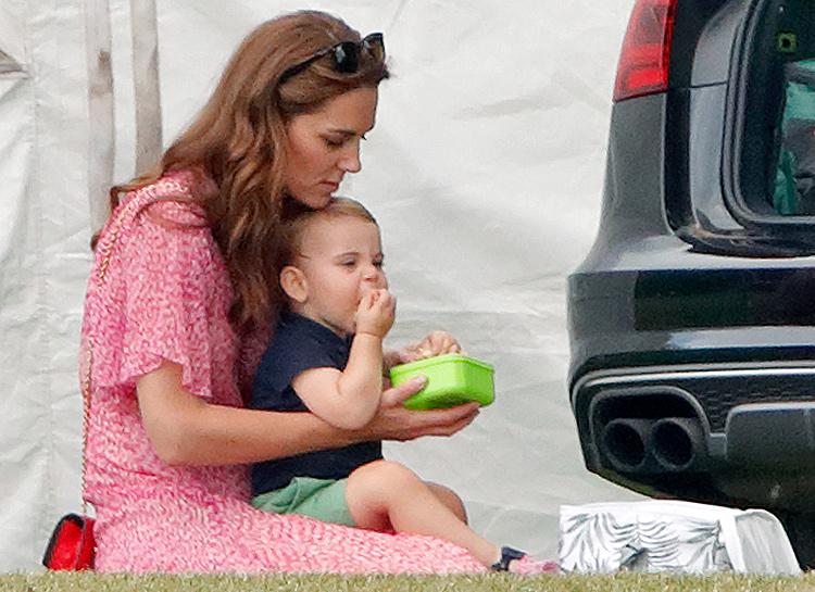 66414 Смузи из кейла и хлопья с яблоками: что едят на завтрак Кейт Миддлтон и ее дети