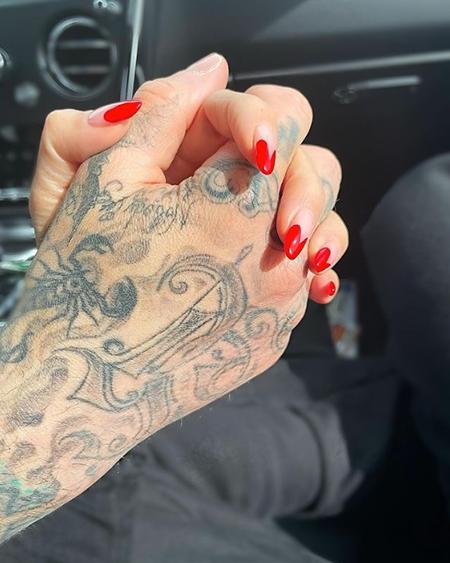 66702 Кортни Кардашьян подтвердила роман с барабанщиком Blink-182 Трэвисом Баркером