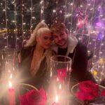 66699 Кристина Агилера поделилась редким фото с женихом Мэттью Ратлером